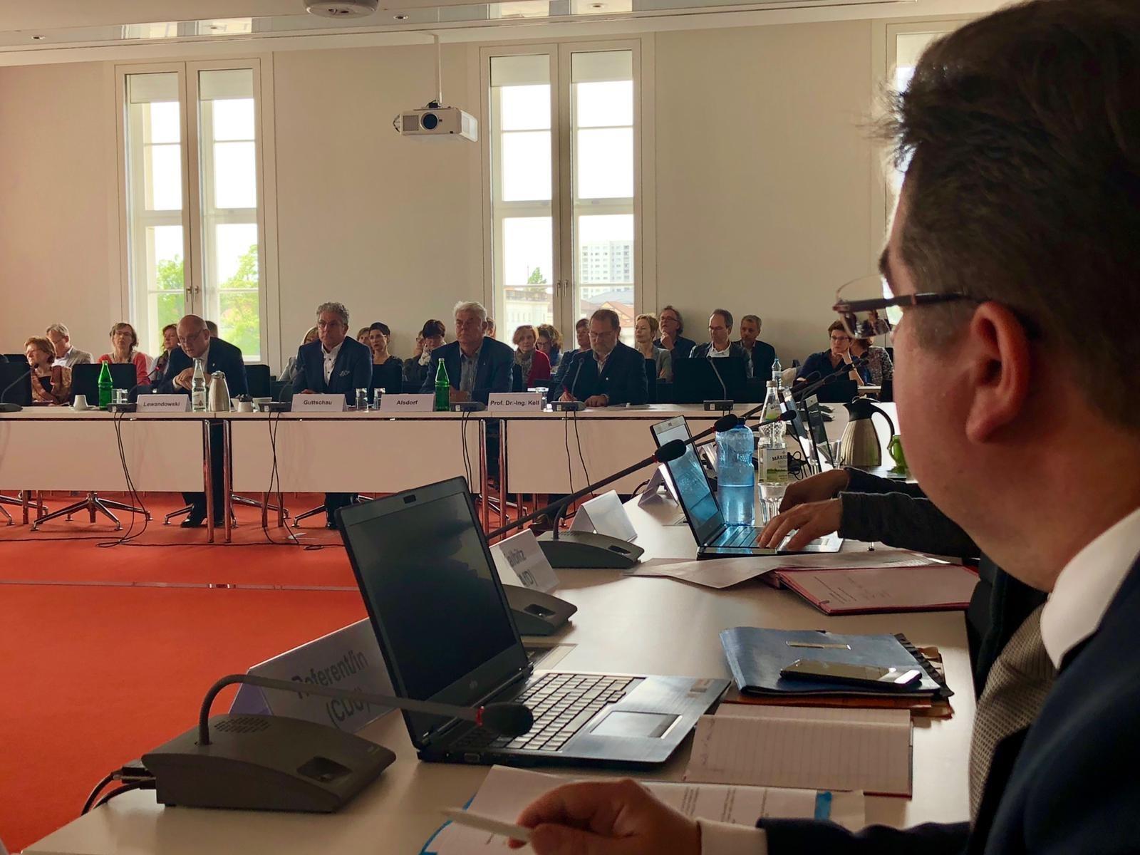Im Ausschuss Wissenschaft, Forschung und Kultur des Brandenburger Landtages